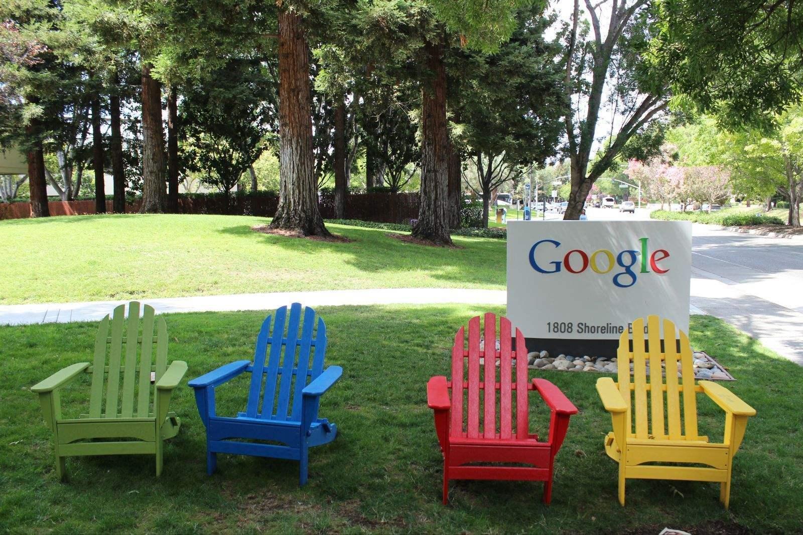 """谷歌停用其一iPhone应用 承认曾花钱""""钓""""用户信息"""